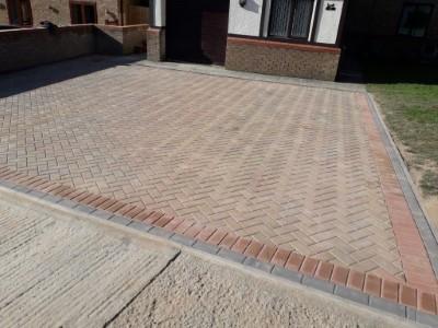 45 Degree Herringbone Pattern on Driveway