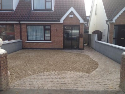 Brick paved apron and gravel driveway in Somerset